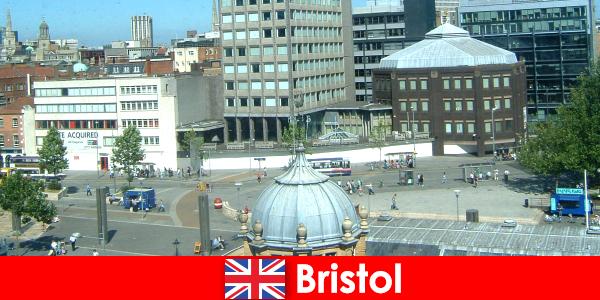 Атракціони в місті Брістоль в Англії для мандрівників