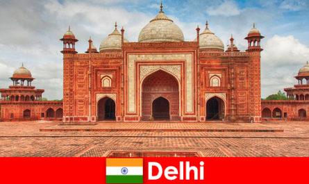 Які найкращі пам'ятки в Індії можна знайти за мандрівниками в Делі
