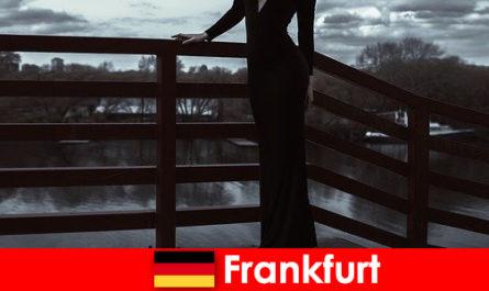 Чуттєвий менеджер супровід у Франкфурті-на-Майні побалувати своїх клієнтів з голови до П'ят