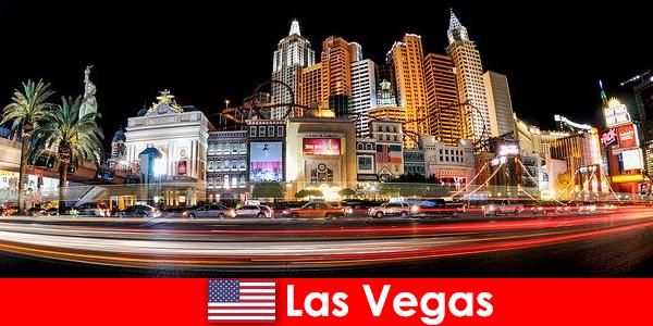 Лас-Вегас світова столиця розваг радує іноземців своїм нічним життям