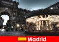 Мадрид відомий своїми кафе і вуличні постачальники місто перерву варто