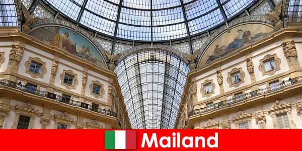 Загадкова атмосфера в Мілані з символами Ренесанс
