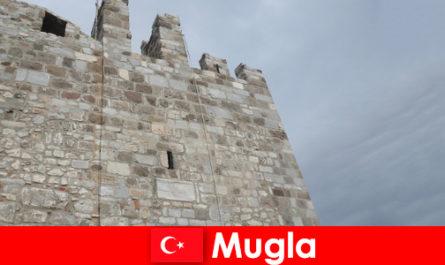 Пригода поїздка в зруйновані міста Мугла в Туреччині