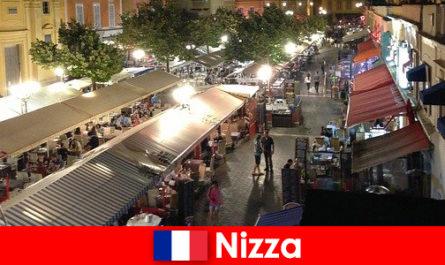 Nice пропонує затишні ресторани і добре відвідувала нічне життя для іноземців