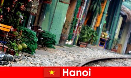 Ханой - захоплююча столиця В'єтнаму з вузькими вуличками і трамваями