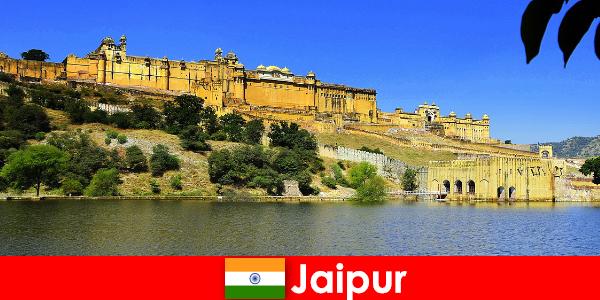 Незнайомці в Джайпурі люблять могутній храмовий піски