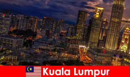 Куала-Лумпур завжди варто поїздки для південно-східної Азії мандрівників