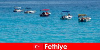 Блакитна подорож Туреччини та білі пляжі з нетерпінням чекають на відпочинок туристів Фетхіє