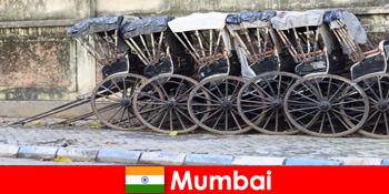 Мумбаї в Індії пропонує рикші атракціони по повних вулицях для мандрівників