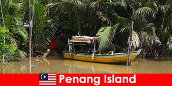 Міжміські поїздки для туристів через джунглі острова Пенанг Малайзія