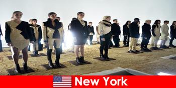 Культурна поїздка для незнайомців в знаменитий театральний район Нью-Йорка США