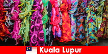 Культурні туристи в Куала-Лумпур Малайзії досвід відмінної майстерності