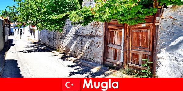 Мальовничі села і гостинні місцеві жителі вітають туристів в Мугла Туреччина