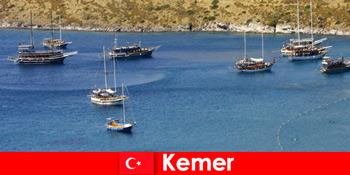 Пригодницька подорож на човні в Кемер Туреччина для закоханих пар і сімей