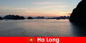 Ідеальний відпочинок в Ха Лонг В'єтнам для підкреслені туристів з-за кордону