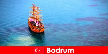 Клубна поїздка для членів з друзями в красивій Бодрум Туреччині