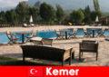 Дешеві авіаквитки, готелі та оренди до Кемер Туреччина для літніх відпочиваючих з сім'єю